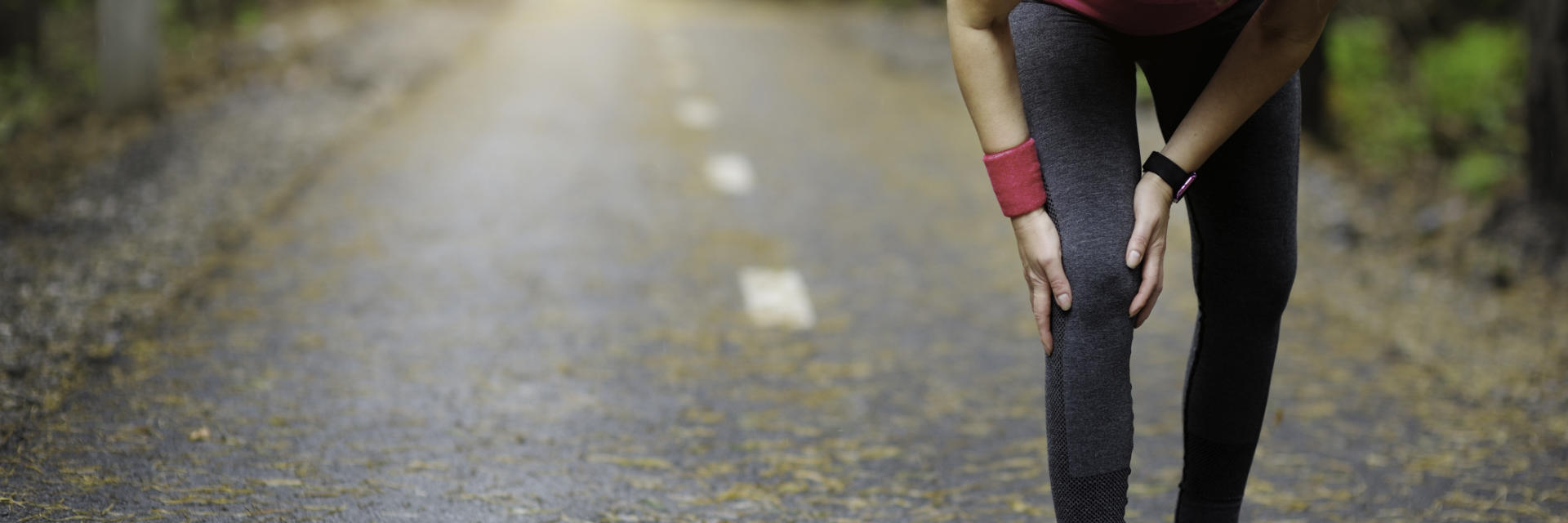 A runner stopped by unexpected knee pain.